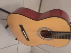 GUITARRA Y FORRO NUEVOS for Sale in Doral, FL