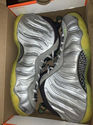 Nike Foamposite one volt Camo sz 11.5 for Sale in Miami, FL