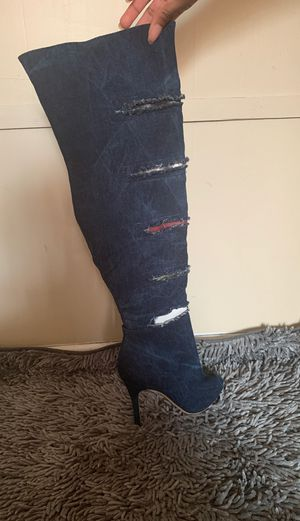Size 6 high thigh heel boots for Sale in E FAYETTEVLLE, NC