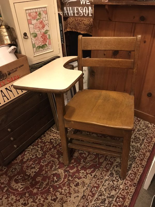 Solid oak 1940s school desk sturdy Vintage $50 pick up in Canyon country crossposted MQ