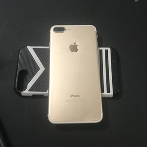 iPhone 7 Plus for Sale in Manassas, VA
