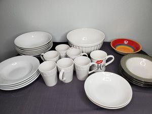 Dinnerware set x 25 pieces for Sale in Las Vegas, NV