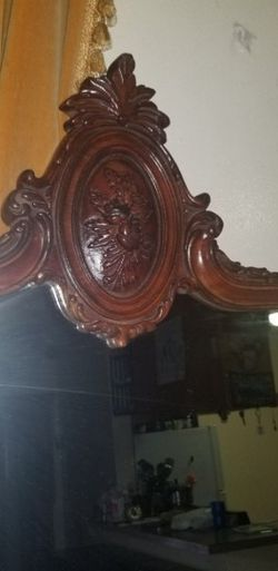 Antique wooden Frame Mirror for Sale in South Gate,  CA
