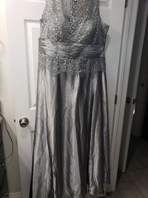 Silver/Grey Formal dress. for Sale in Bell Gardens, CA
