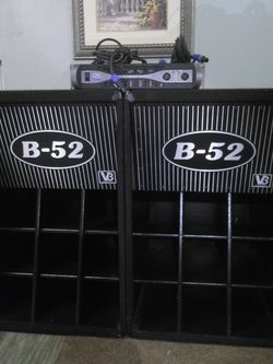 Dj Or Band 18'' B52. SPEAKERS WITH AMP for Sale in Yakima,  WA