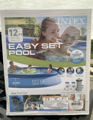 8ft X 30in Easy Set Pool for Sale in Katy, TX