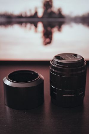Sony 50mm f1.8 with OSS for APSC Camera for Sale in Bakersfield, CA
