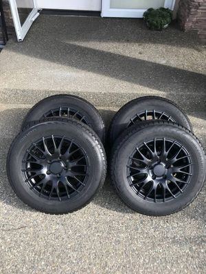 195 65r15 Nokian Hakkapeliitta 7 Winter Snow Tires With Alloy Wheels for Sale in Federal Way, WA