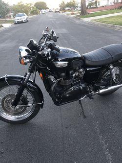 2005 Triumph Bonneville $5200 for Sale in Los Angeles,  CA