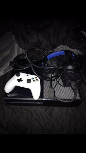 Xbox One (500 GB) for Sale in Stockton, CA