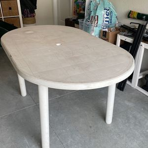 """Table 58"""" X 35"""" for Sale in Hollywood, FL"""