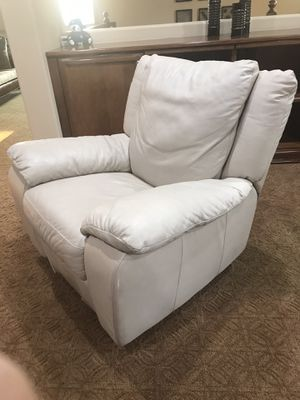 Rocker recliner and swivel chair for Sale in Riverside, CA