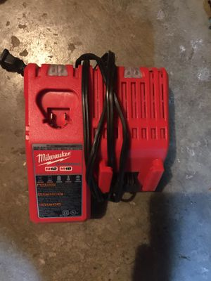 Cargador Milwaukee for Sale in Renton, WA