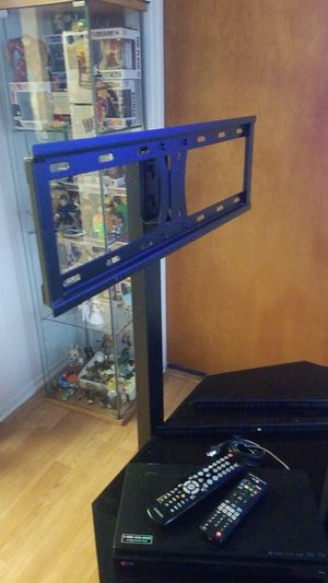 Tv stand and blue ray for Sale in Los Angeles, CA