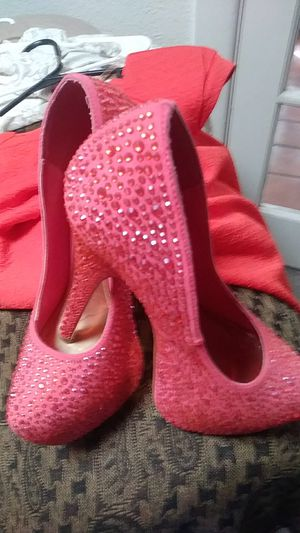 Hot pink jeweled shoes for Sale in El Paso, TX