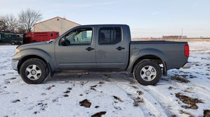 2006 nissan frontier crew cab 4x4 for Sale in Glendale Heights, IL