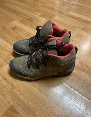 Bearpaw women's hiking boots size 9 rain, snow, trail for Sale in South Gate, CA