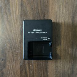 Nikon MH-25 Battery Charger for Sale in Miami,  FL
