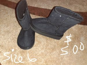 Little girls boots size 6 for Sale in Hesperia, CA