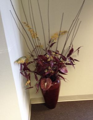 Floor vases with ornamental flowers for Sale in Alameda, CA
