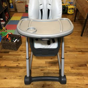 Graco Highchair- Great Condition, Easy Cleanup ($30) for Sale in Brooklyn, NY