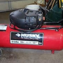 Husky 19 Gallon Air Compressor for Sale in Eatontown, NJ