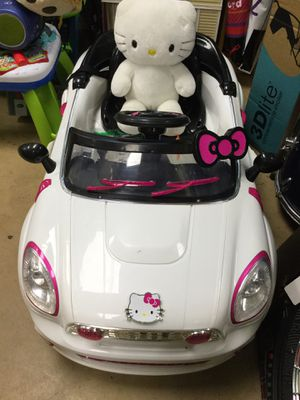 Hello Kitty Car w/Charger for Sale in Matawan, NJ