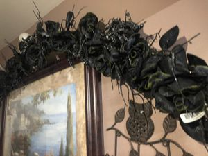 6 feet glittered rose and berry garland black for Sale in Pico Rivera, CA