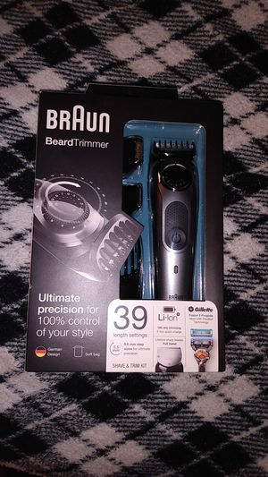 Braun beard trimmer for Sale in Minneapolis, MN
