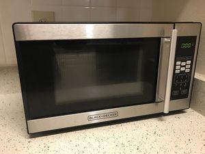 Black & Decker Microwave for Sale in Tampa, FL