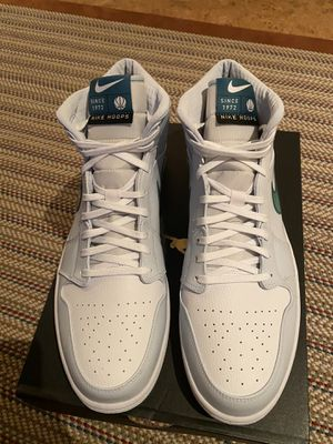 Air Jordan 1 Mid SE Luka Doncic Size 15 for Sale in Hubbard Lake, MI