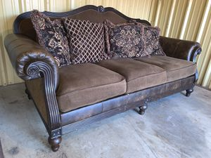 Couch for Sale in Arlington, TX