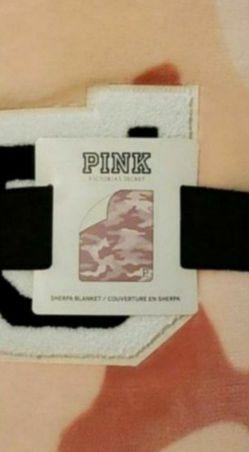 Victoria's Secret PINK sherpa blanket for Sale in Peoria,  AZ