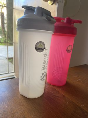Blender Bottle Classic Loop Top Shaker Bottle for Sale in San Diego, CA