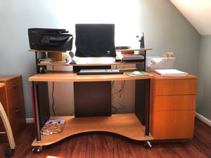Computer desk for Sale in Pittsfield, MA