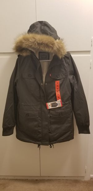 Levi's parka women's new fur raincoat for Sale in Westminster, CA