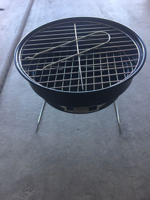 Duralast Portable Grill/Cooler for Sale in North Las Vegas, NV