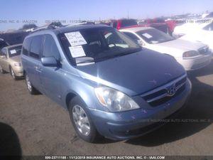 2008 Hyundai entourage for parts for Sale in Phoenix, AZ