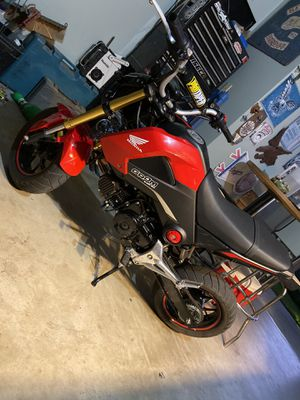 125 Honda Grom salvage title 2015 for Sale in Oak Glen, CA