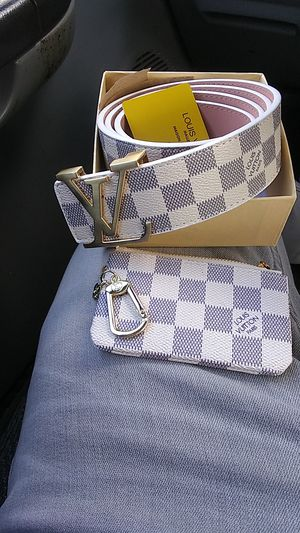 Men's leather belt and leather keychain zipper wallet pouch set for Sale in Baltimore, MD
