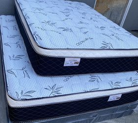 "BRAND NEW ""PILLOW TOP MATTRESSES""✅ COLCHONES NUEVOS PILLOW TOP 💯 (Limited time only)3 Year Warranty!!! $20 Delivery FEE ✅ QUEEN MATTRESS $180❌ $240 for Sale in Long Beach,  CA"