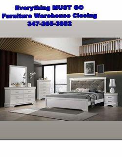 white queen bedroom set. Must Go for Sale in Queens,  NY
