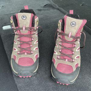 Vibram Merrel Women's Hiking Boots Size 11 for Sale in Fresno, CA