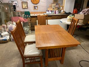 Dining table for Sale in Oakdale, CA