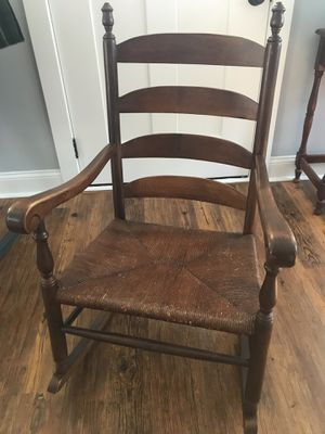 Antique rocking chair for Sale in Irmo, SC