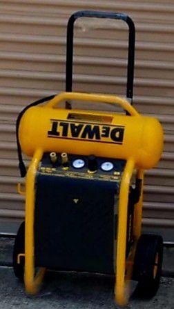 Dewalt 4.5 Gl. Compressor New Nuevo for Sale in Irving, TX