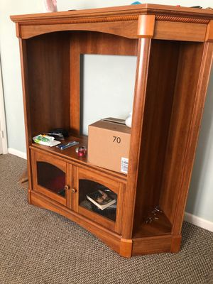 Entertainment center with shelves for Sale in Jacksonville, NC