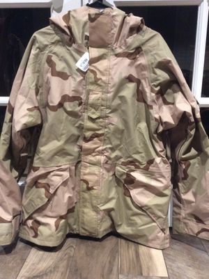 Brand new Genuine US military issue three color desert cortex Parka jacket for Sale in Jupiter, FL