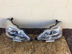 2013 - 2015 Nissan Altima OEM headlight, driver and passenger side, headlamp, front light, car parts, auto parts for Sale in Glendale, AZ