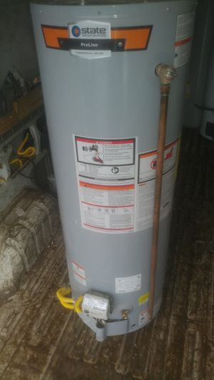 Gas waterheater 40 gallon good condition for Sale in Temple Hills, MD
